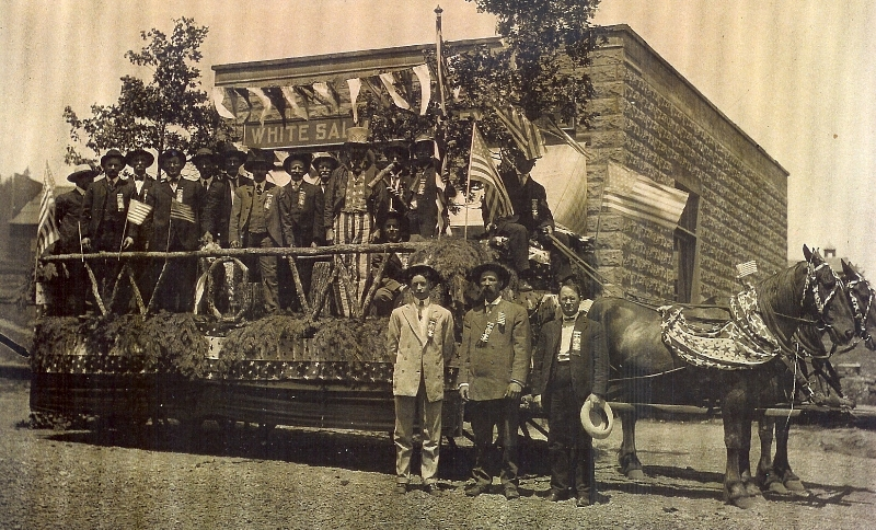 1908 July 4th parade Woodsmen of America float