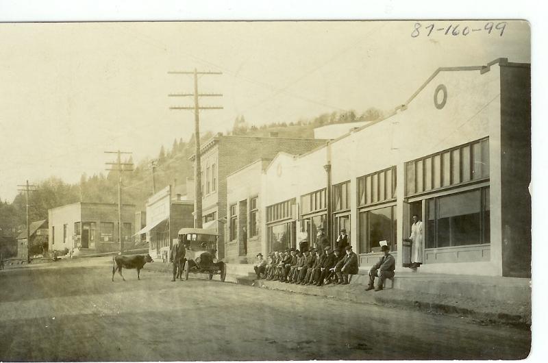 1917 street in White Salmon