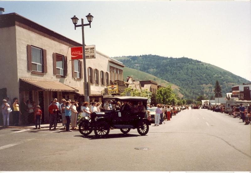 mayfest-parade