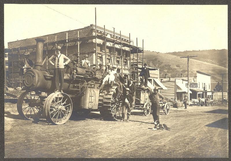 tractor-on-jewett-blvd