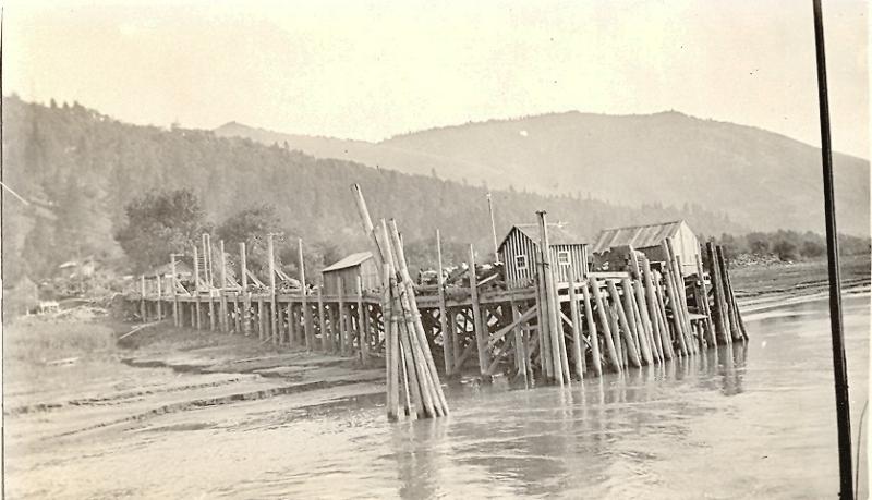 white-salmons-warner-boat-landing-circa-1900