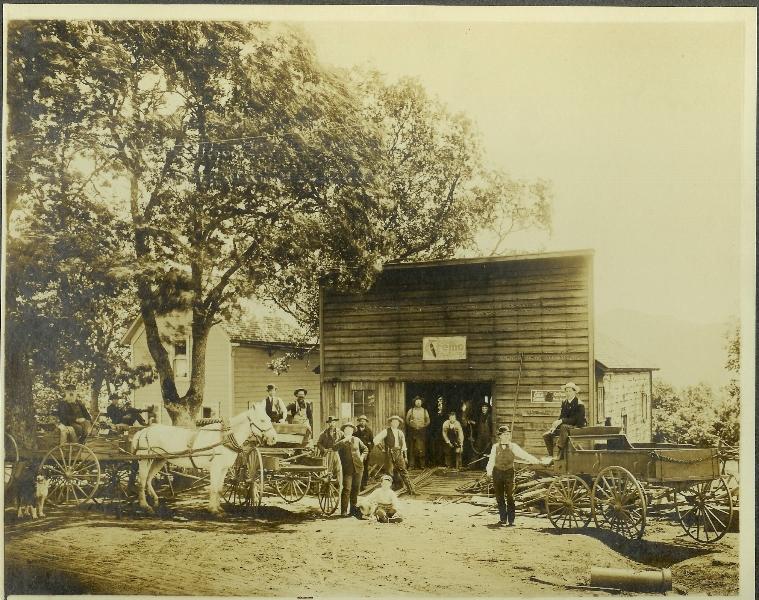 1906 White Salmon wagon shop