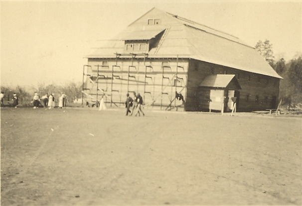 white-salmon-school-building-maybe-1915-17