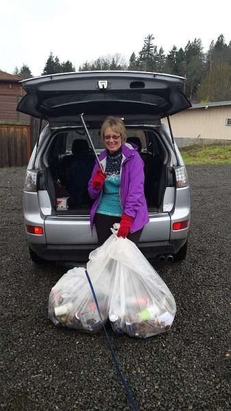 2014 Dreaming of a White Salmon Cleanup Elf