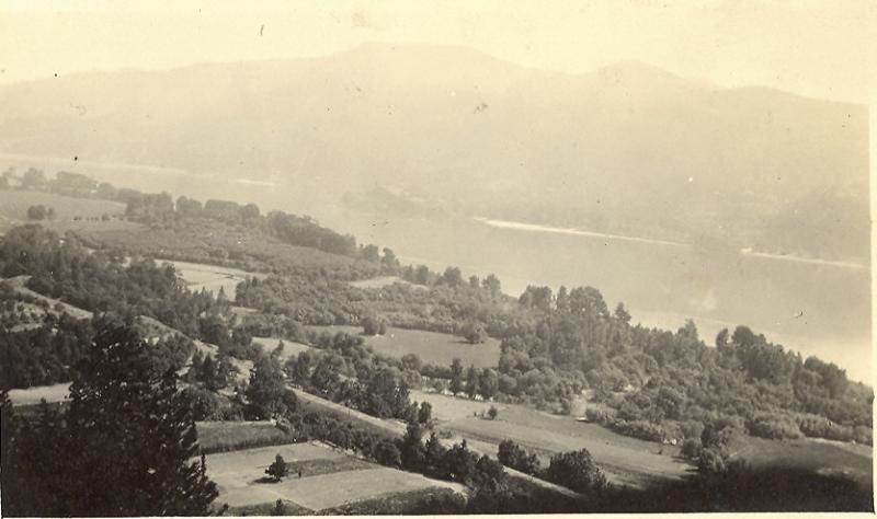 1917 White Salmon flats along the Columbia River