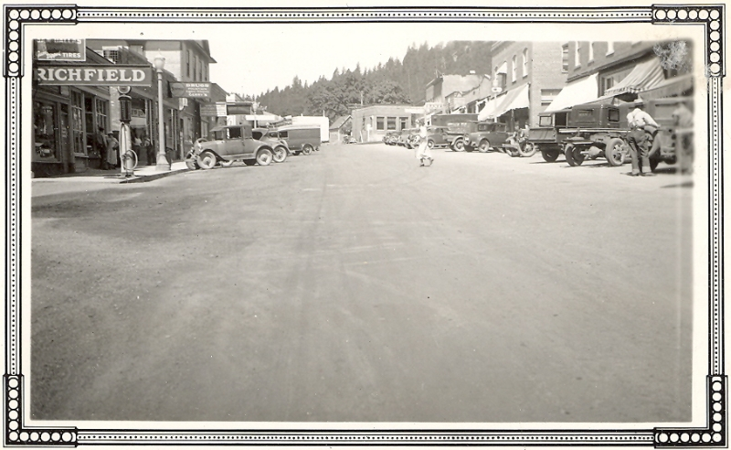 1920s White Salmon Jewett Blvdlooking west
